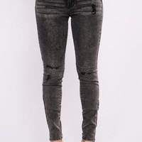 Round Of Applause Booty Lifting Jeans - Black
