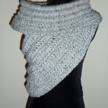 Katniss inspired cowl Sz Small Gray, Huntress scarf, Hunger Games, Catching Fire, District 12
