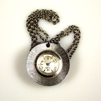 Vintage 17 Jewel Welsbro Watch Necklace Pendant Needs Battery