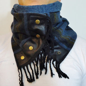 Unisex soft Pure WOOL Cozy Scarf Cowl Hood with natural leather an Snaps