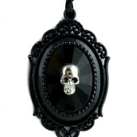 Death Skull w/ Black Faceted Stone Necklace Gothic Victorian Jewelry