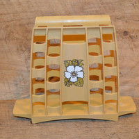 Vintage Napkin Holder. Plastic Napkin Holder, Yellow Gold Napkin Holder, Retro , Shabby Chic, White Flowers, Table Decor