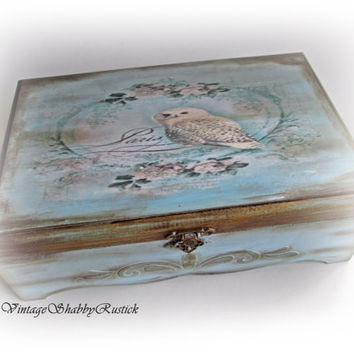 Vintage Owl Box. Owl Jewelry Box. Shabby chic Owl Box. Personalized Owl Box. Storage Box. Keepsake Box. Wooden decoupaged Box. Antique Box.