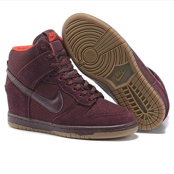 size 40 346c3 9b6fc Nike Dunk Sky Hi Essential Inside Heighten woman Leisure High Help Board  Shoes