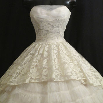 Vintage 1950's 50s STRAPLESS Bombshell Ivory White Lace Tulle Circle Skirt Party Prom Wedding DRESS Gown