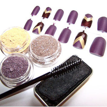 Limited Edition makeup set eye shadow palette fake nails artificial nails cake mascara