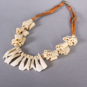 70s CAMEL Tooth Bones NECKLACE / Moroccan Beaded Leather Necklace