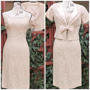 60s lace dress / M size 7 / 8 / vintage wiggle dress / Ivory formal lace dress / 1960s 2 piece lace silk dress