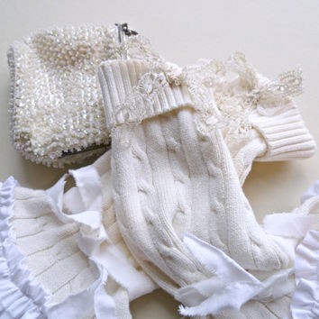 Jane Austen Arm Warmers. Valentine's Day. Shabby Vintage Inspired Fingerless Gloves. Bohemian. Cozy Warm. Ruffles & Lace. Winter White.