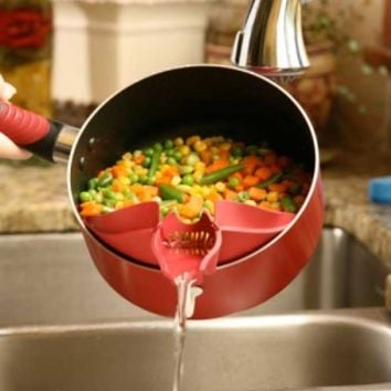 Clip-on Spout w/Strainer