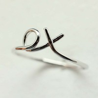 xo Hug and Kiss Ring in SILVER