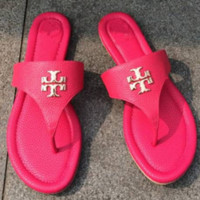Tory Burch 2018 summer new pin-toe slippers flat-bottomed flat-worn flip-flops F0452-1 rose red
