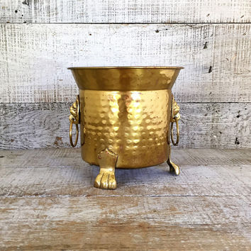 Brass Planter Vintage Hammered Brass Planter Hollywood Regency Planter Small Brass Planter with Lion Handles Footed Planter Indoor Planter