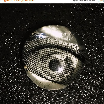 "On Sale Glass ""Watching Eye"" Magnet/Pin"