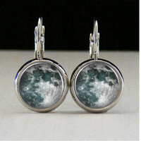 Round Glass Jewelry Bezel Earrings Moon Earrings Silver (A3634E)