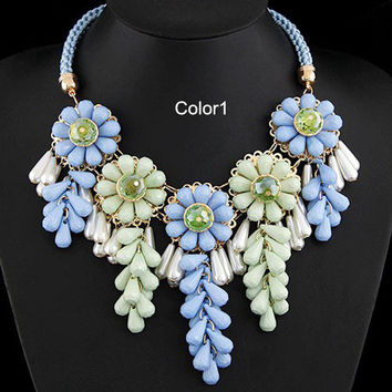Flower Bib Necklace Layers Statement Necklace Bubble Bib Necklace Bib Collar Necklace Choker Necklace Pendant Prom Necklace Jewelry