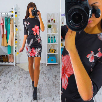 Hibiscus Flower Print Half Sleeve Black Pencil Dress