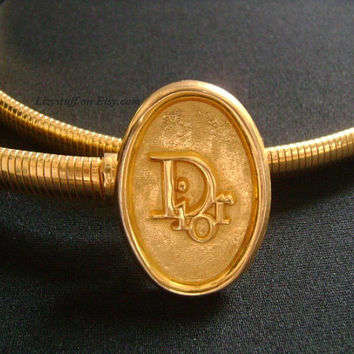 """Designer DIOR Oval Logo Shiny Gold Tone Omega Snake Chain Stretch Skinny Belt Buckle 27""""-31"""" Size S/M Classic Vintage Lovely & Fabulous Chic"""