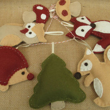 Hand crafted soft felt Woodland animal wall hanging, nursery decor