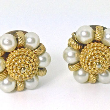 Vintage Earrings,Miriam Haskell Style Earrings,Clip Earrings,Gold Tone & Faux Pearl Earrings,Vintage Jewelry,Bridal Jewelry,Cluster Earrings