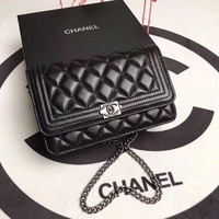 CHANEL WOMEN'S CLASSIC LEATHER WOC INCLINED CHAIN SHOULDER BAG