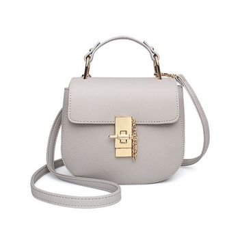 PU Leather Shoulder Bag with Metal Buckle Elegance Women Messenger Bags Vogue Exquisite Ladies Saddle Handbag Cross-body Bags
