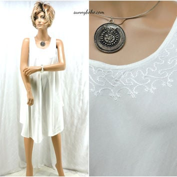 White cotton boho beach dress one size embroidered white summer dress SunnyBohoVintage