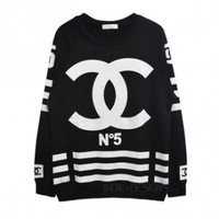Indie Designs NO.5 FAKE CC Crew-neck Sweatshirt