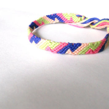 Friendship Bracelet - Colorful Zig Zag Pattern - Handmade