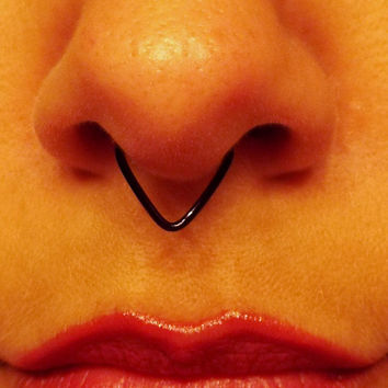 Black Triangle Septum Ring / Chevron Septum / Spike Septum / 18 Gauge Fake No Piercing Needed Wire Nose Ring