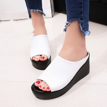 Women Sandals 2017 Hot Sale Summer Fashion Open Toe Flip Flops Female Leather Leisure Fish Mouth Sandals Thick Bottom Slippers