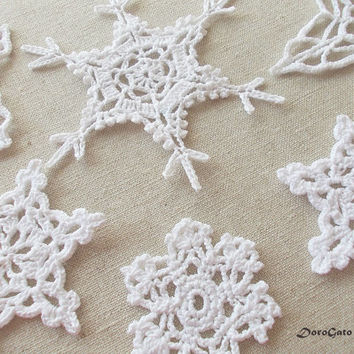Crochet Snowflakes, Christmas ornament, Christmas decor, white lace snowflakes, Christening decor, appliques snowflakes, Set of 9 - (C44)