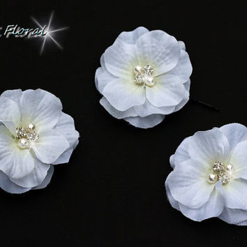 Wedding hairpiece, Bridal Set of 3 Small White Flowers Hair Pin / Comb / Shoe Clips, Wedding Accessories