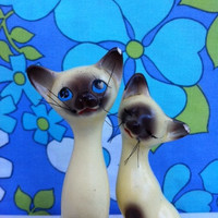 Kitsch kitty cat figurine pair!! Retro, ceramic, Siamese kitties! Slinky, long-neck, cat lovers! MeOw