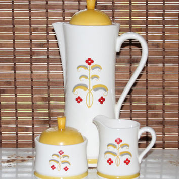 Vintage 70s Coffee Server / Pitcher and Matching Cream and Sugar Set