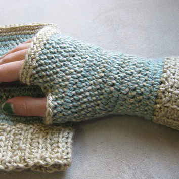 Crochet Pattern - Fingerless Gloves - Split Stitch