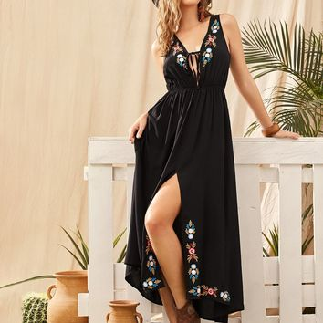 Floral Embroidered Split Thigh Knotted Dress