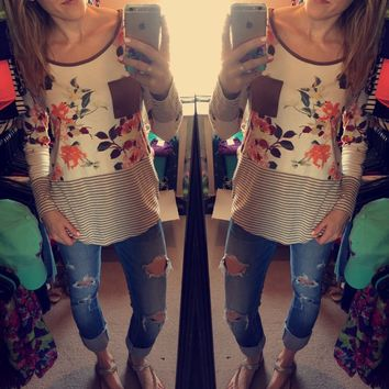 Casual Cutie Top - Floral/Taupe
