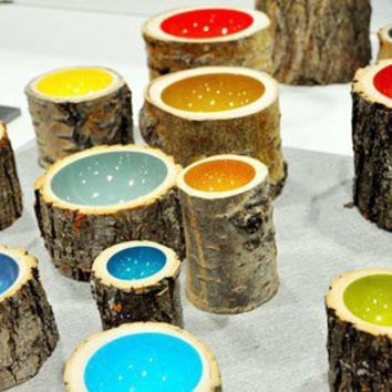 DIY / Wooden, brightly-colored bowls.