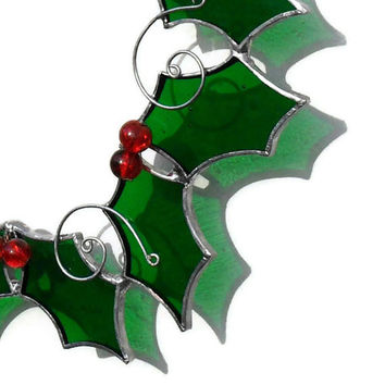 Stained Glass Holly Suncatcher, Holly Christmas Suncatcher, Christmas Holly Wreath, Stained Glass Holly