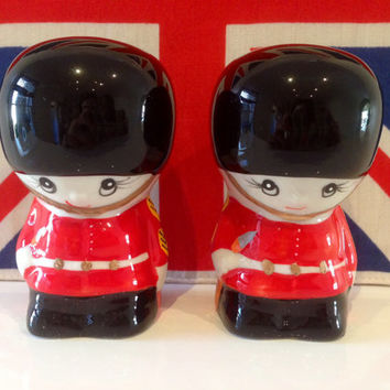 Vintage Guardsmen Cruet Set Novelty Salt and Pepper