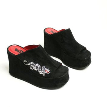 Vintage 90's Black Velveteen Faux Suede Chunky Platform Sandals Chinese Dragon Embroidery Avant Garde- EUR 39/ US 8.5/ UK 6