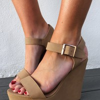 The Perfect Wedges: Nude
