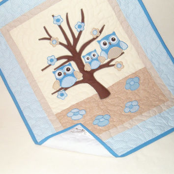 Owl Quilt, Owl Blanket, Organic Nursery Bedding, Personalized Baby Shower Gift, Child Decor, blue beige creame HET