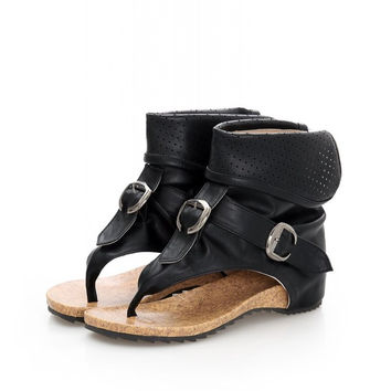 Charming High Quality Roman Sandals Cool Clip Toe Flat Boots 2017 Fashion Women Summer Boots Hollow Ankle Boots Buckle
