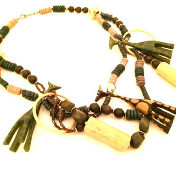 Giraffe Beaded Necklace Wooden Carved Handmade Vintage Jewelry