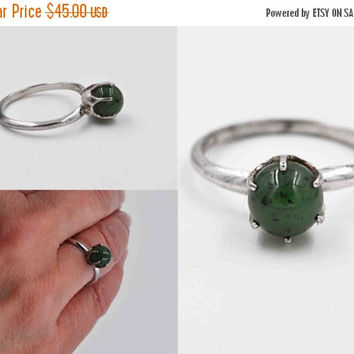 ON SALE Vintage Uncas Sterling Silver Chrysoprase Ring, Solitaire, Green Stone, Prong-Set, Semi-Precious, Size 8, Green Envy! #b669