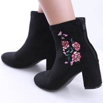 Autumn Winter Women Boots Flowers Embroidery Boots Zip Thick High Heel Round Toe Mid-Calf Boot