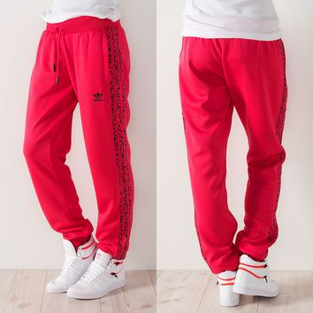 Adidas Girly Flock Track Pants Blaze Pink von Def-Shop.com