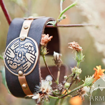 "Exclusive etched medieval fantasy style leather and brass biceps bracelet ""Archeress"""